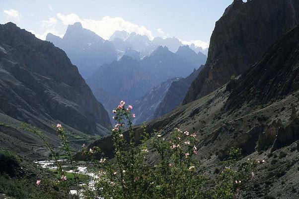 """Faszinierende Berge machen den """"Zanskar-Treck"""" zum einmaligen Erlebnis."""
