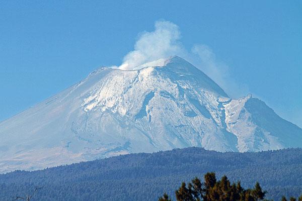 Der Popocatépetl ist mit 5462 m der zweithöchste Vulkan Nordamerikas sowie der zweithöchste Berg Mexikos.