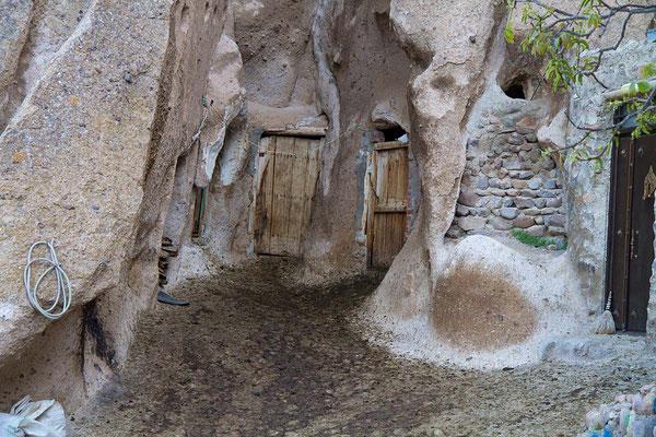 Zugang zu Wohnungen im Felsendorf Kandovan.