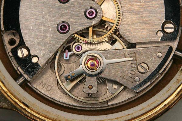 Uhrwerk einer Armbanduhr aus den 50er Jahren.