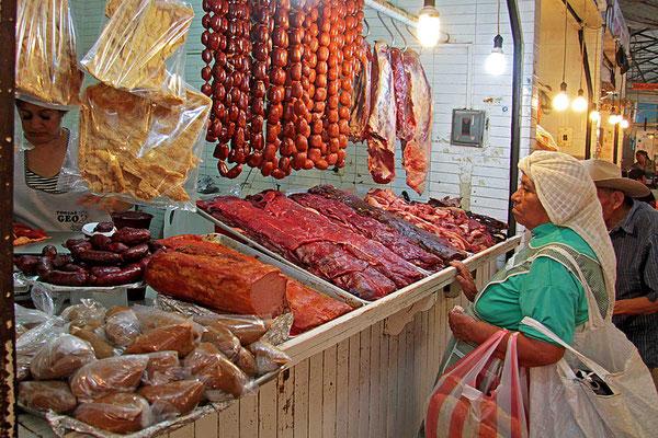Metzgerei auf dem Markt von Oaxaca.