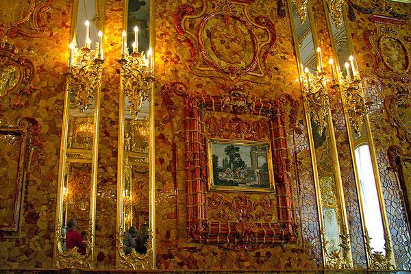 Ein Traum - Das Bernsteinzimmer im Katharinenpalast in Puschkin bei St. Petersburg.