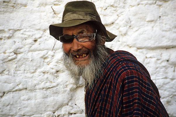 Pilger beim Jambay – Lhakhang.