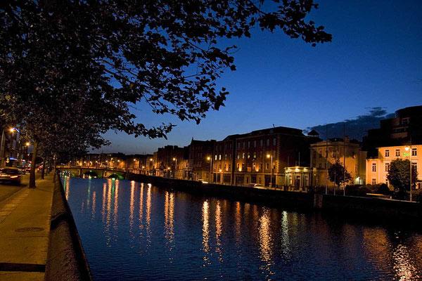 Dämmerung an der Liffey, Dublin.