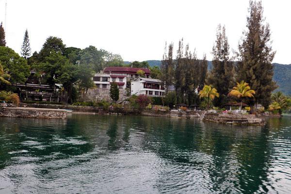 Unser Hotel auf der Insel Samosir, sehr schön direkt am Lake Toba gelegen.