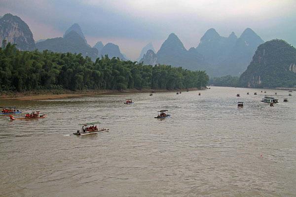 Bootsfahrt auf dem Li - River.
