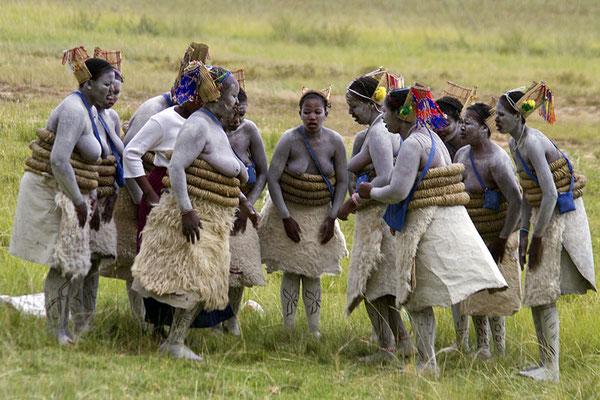 Ritual der Sangoma-Frauen von Lesotho. Absolut keine touristische Veranstaltung. Hier kamen Glück und Zufall zusammen, dass ich Zeuge dieser seltenen Zeremonie werden durfte.