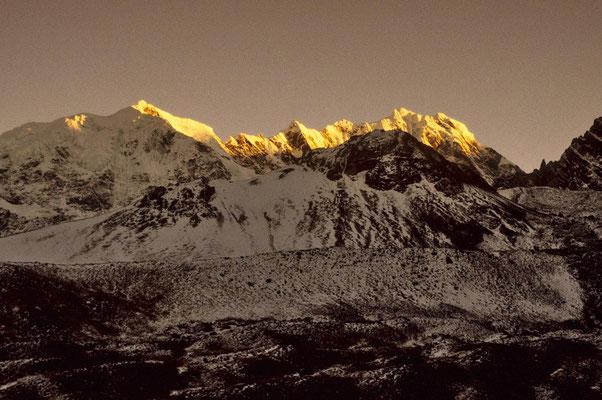 Herrliche Lichtstimmung beim Aufstieg zum Campa - Uno.