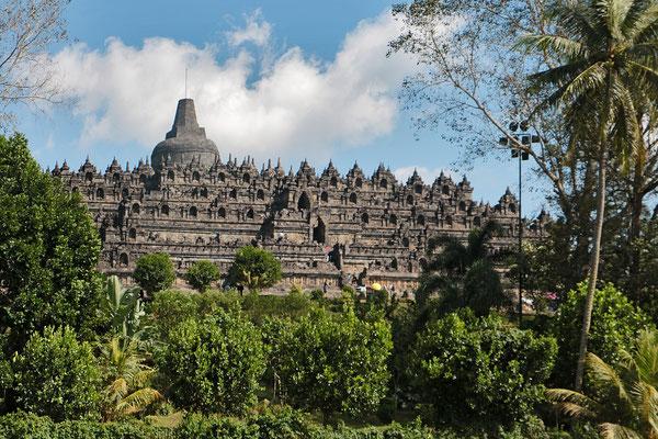 Die größte buddhistische Tempelanlage der Welt: der Borobudur bei Yogyakarta