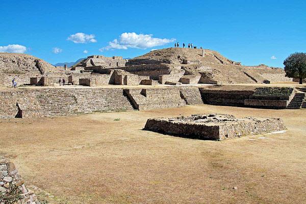 Monte Albán (span. weißer Berg) war die Hauptstadt der Zapoteken