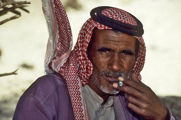 Beduine bei der Oase En-Khudra.