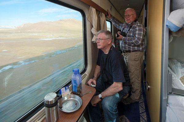 Mit der Tibet - Hochbahn 2000 km von Xining nach Lhasa, über die höchste Bahnstrecke der Welt.