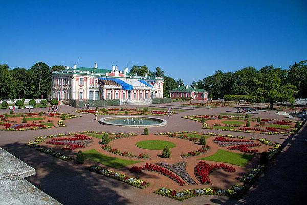 Peter der Große schenkte seiner Frau Katharina im 18. Jh. das Barockschloss Katharinental bei Tallinn.
