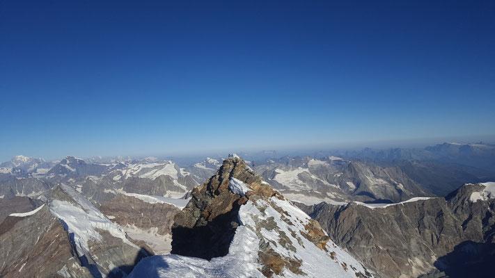 Geschafft, Gipfelgrat...