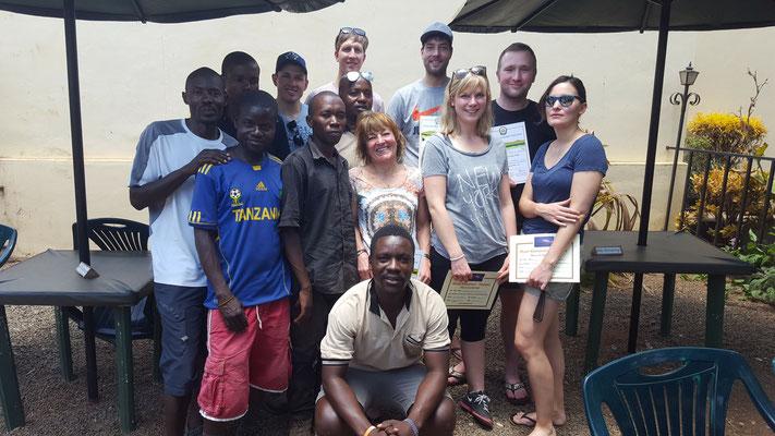 Unsere Trekking Gruppe zurück im Hotel (Träger fehlen)