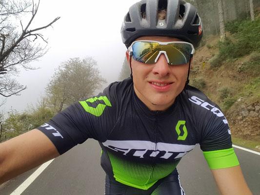 Auf der 220km Radtour im Nebel oberhalb von Artenara