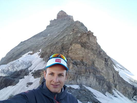 Am Vortag vor dem imposant aufragenden Matterhorn
