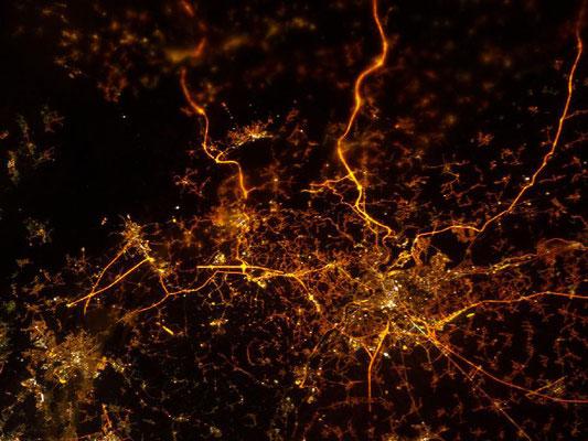 La toile lumineuse liégeoise, vue par un satellite d'observation