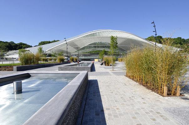 La gare des Guillemins et sa perspective qui donne sur la Meuse