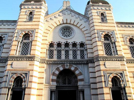 La synagogue de Liège, rappelle que la petite communauté juive y a d'anciennes racines