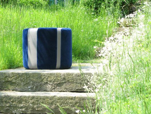Hocker blauer Samt mit grauem Leder