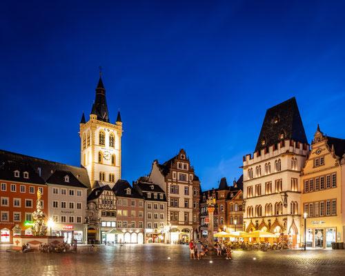 Let's start a Trier series: #1 Hauptmarkt :: Copyright Martin Schmidt, Fotograf für Schwarz-Weiß Fine-Art Architektur- und Landschaftsfotografie aus Nürnberg