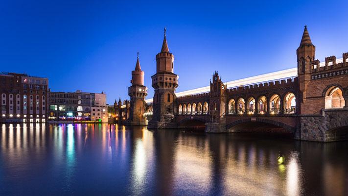 Berlin Oberbaumbrücke :: Copyright Martin Schmidt, Fotograf für Schwarz-Weiß Fine-Art Architektur- und Landschaftsfotografie aus Nürnberg