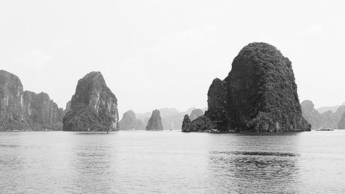 Indochina Memos 2015 - Halongbucht #3 (Copyright Martin Schmidt, Fotograf für Schwarz-Weiß Fine-Art Architektur- und Landschaftsfotografie aus Nürnberg)