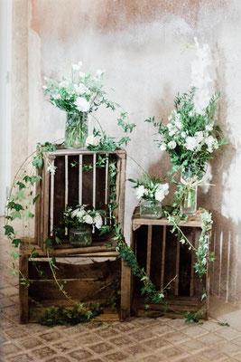 Décoration vintage et florale blanche mariage