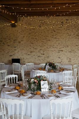 Décoration grange mariage : guirlandes lumineuses