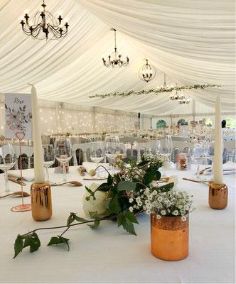 Salle dîner mariage tente blanche