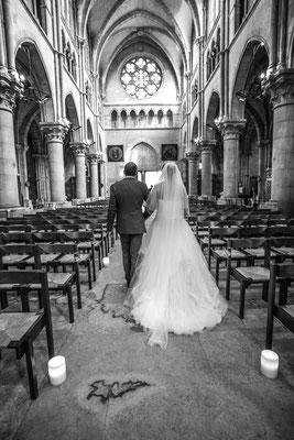 Cérémonie religieuse mariage : entrée de la mariée