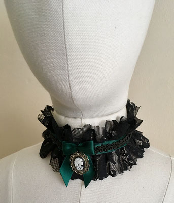 Kropfband Halsband