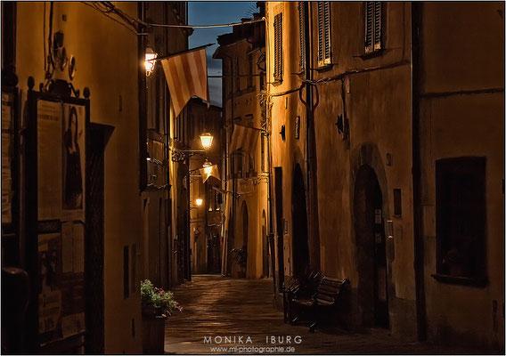 Licht in den Gassen I- Toscana