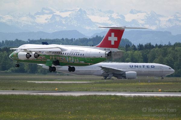 Avro RJ100 bei Landung Flughafen Zürich