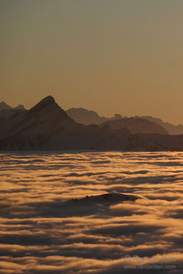 Spicher über dem Nebelmeer
