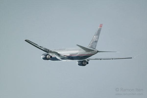 Boeing 767 der US Airways im Silberlicht