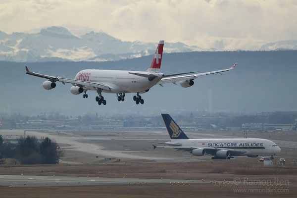 A340 of swiss approaching - A380 of Singapore Airlines before takeoff (Zurich Airport)