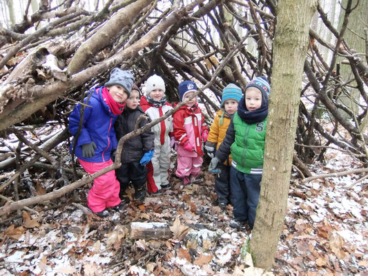 Wir haben Spaß beim Waldtag ....