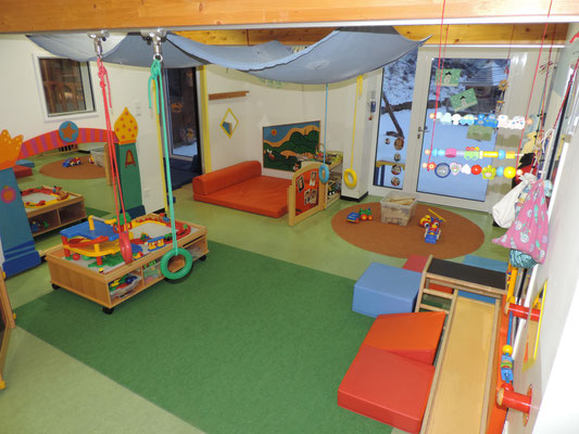 Unser Gruppenraum ist speziell für die Krippenkinder eingerichtet.