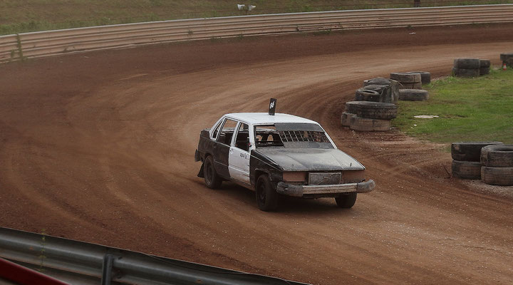 300 - 2. Vorlauf  Heck/Volvo