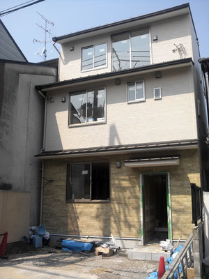 A様邸は3階建ての2世帯住宅です。