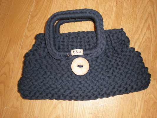 sac tricoté avec ances tricotées