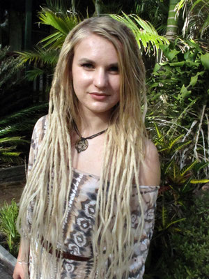 Dread extensions divine dreadlocks dreadlock extensions are simply quite amazing and i cannot recommend them highly enough if you have short hair but want long dreads and cant wait to grow pmusecretfo Images