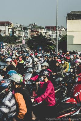 rush hour getting into the city of Hanoi