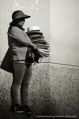 Hutverkäuferin in den Straßen von Arequipa