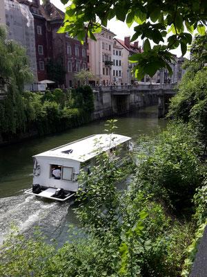 Bootsfahrt auf dem Fluss Ljubljanica