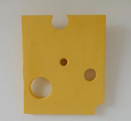 Wooden object no. 5 (Käseplatte), 2021, 24.5x29,5 cmx 2cm suspension, colour paint on pine wood shape