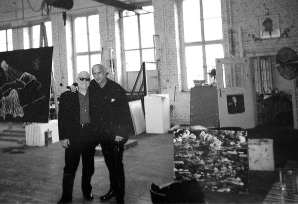 Horst mit seinem Influencer und Freund, Jörg Immendorff (†2007), in dessen Atelier - Horst with his influencer and friend, Jörg Immendorff  (†2007),  in his studio.