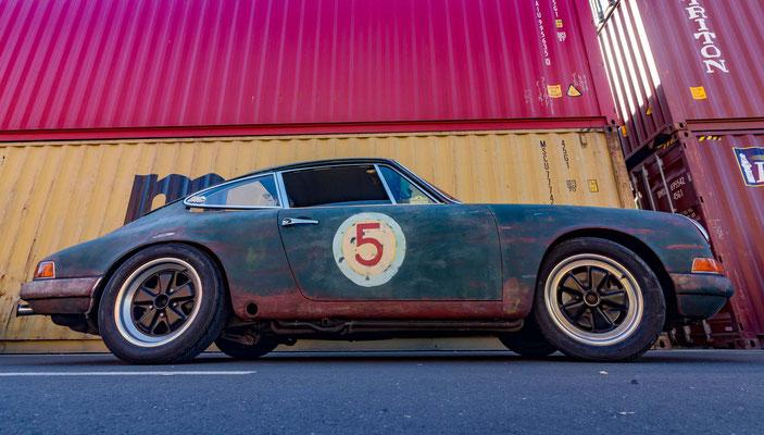 Porsche 911 mit alter Lackierung